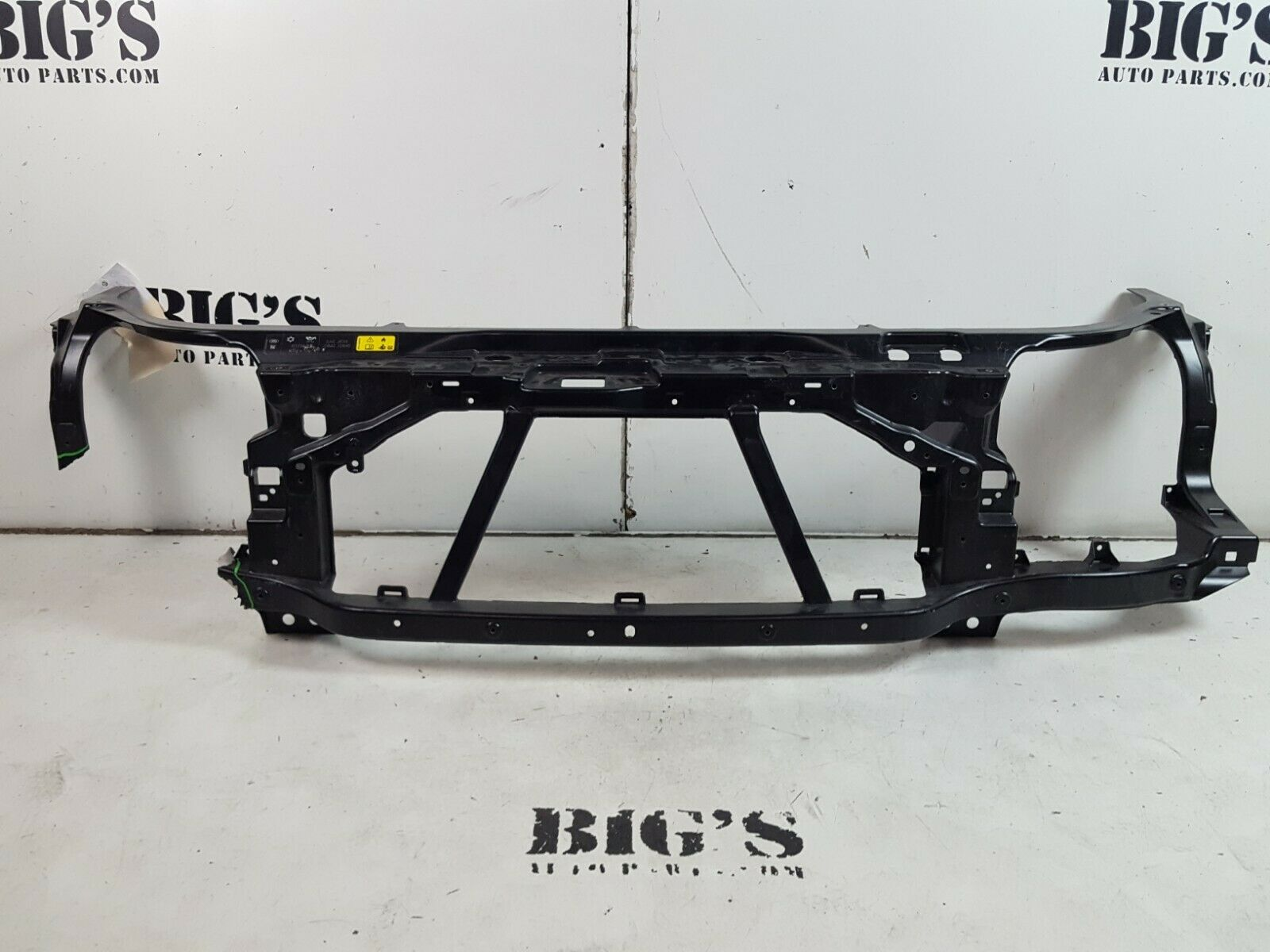 2017 2018 LAND ROVER DISCOVERY 5 L462 RADIATOR SUPPORT OEM